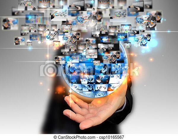 El hombre de negocios tiene un mundo de negocios - csp10165567