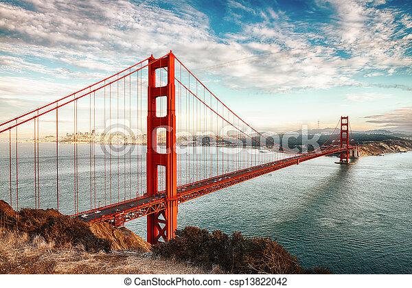 El puente Golden Gate, San Francisco - csp13822042