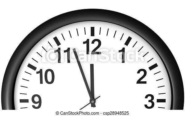 El reloj espera a medianoche - csp28948525