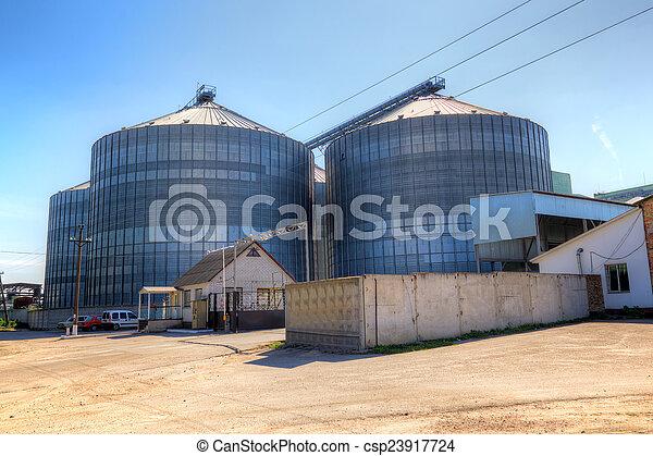 Ascensor de grano - csp23917724