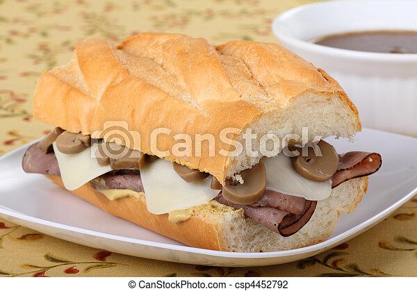 Sándwich de ternera asada - csp4452792