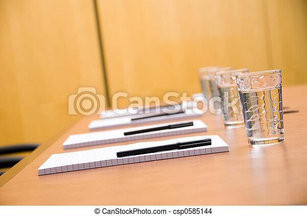 En la sala de juntas - csp0585144
