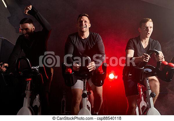entrenamiento, hombres, bicicleta, club, salud, inmóvil, gimnasio, bicicleta - csp88540118