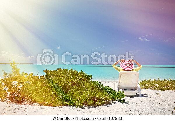 Escena de playa - csp27107938
