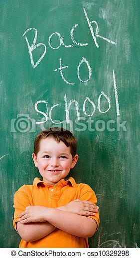 Volviendo al concepto de educación escolar - csp10329298