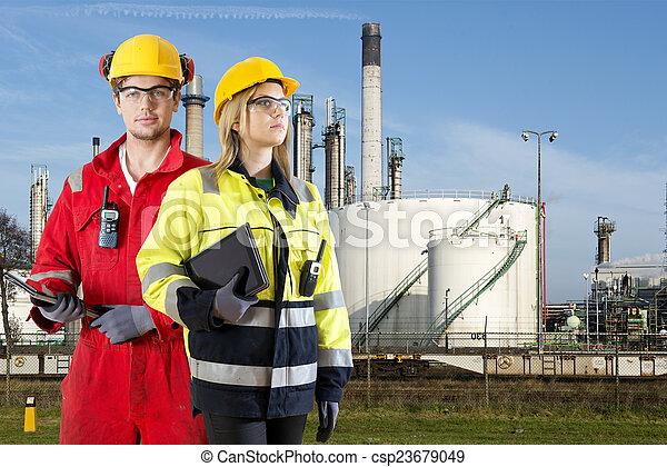 Especialistas en seguridad Petroquímica - csp23679049