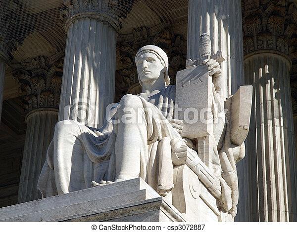 La estatua de la Corte Suprema - csp3072887