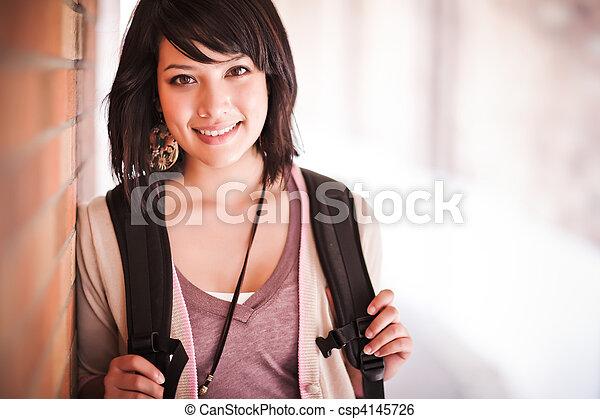 Estudiante universitario mixto - csp4145726