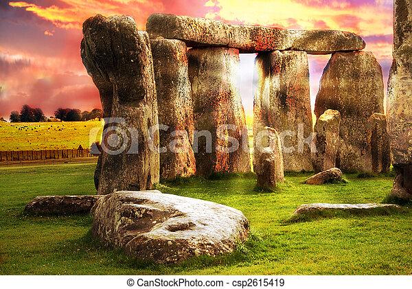 Fantasía Stonehenge - csp2615419