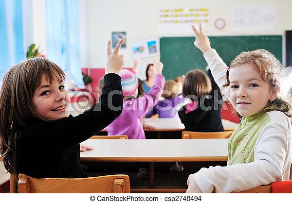 Feliz maestro en clase - csp2748494