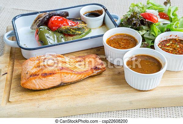 Filete de salmón - csp22608200
