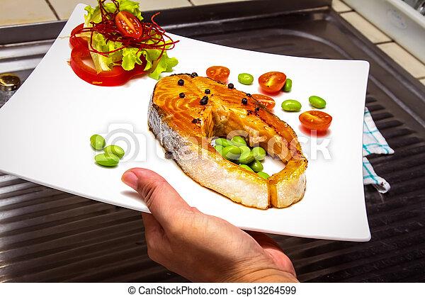 Filete de salmón - csp13264599