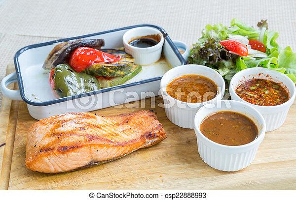 Filete de salmón - csp22888993