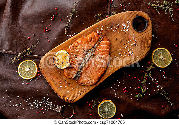 Filete de salmón - csp71284766