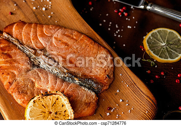 Filete de salmón - csp71284776