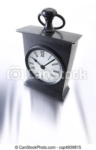 Alarma de fondo blanco - csp4939815