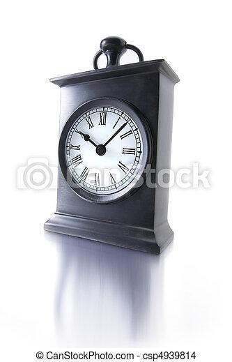 Alarma de fondo blanco - csp4939814