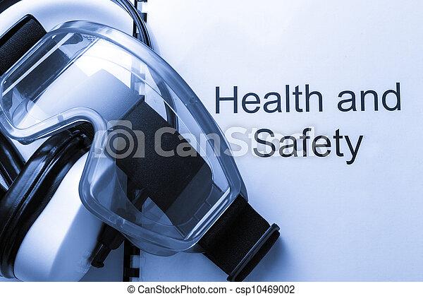 Sanidad y seguridad con gafas y auriculares - csp10469002