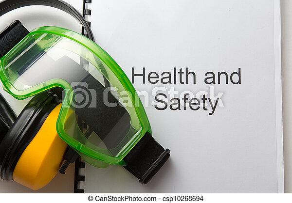 Sanidad y seguridad con gafas y auriculares - csp10268694