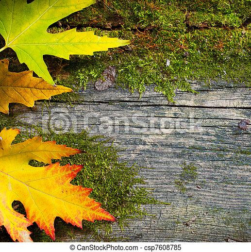El arte deja hojas de otoño en el fondo del bosque grunge - csp7608785