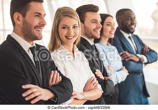 Hermoso equipo de negocios - csp44633566