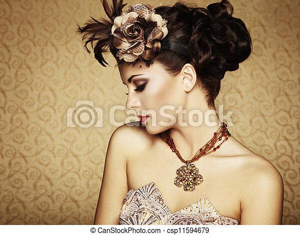 Retro retrato de una hermosa mujer. Estilo textual - csp11594679