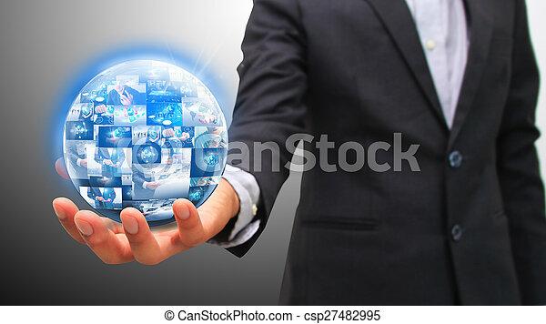 Hombre de negocios con mundo de negocios. - csp27482995