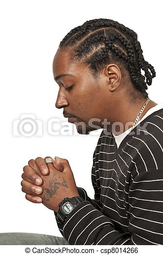 Hombre negro rezando - csp8014266
