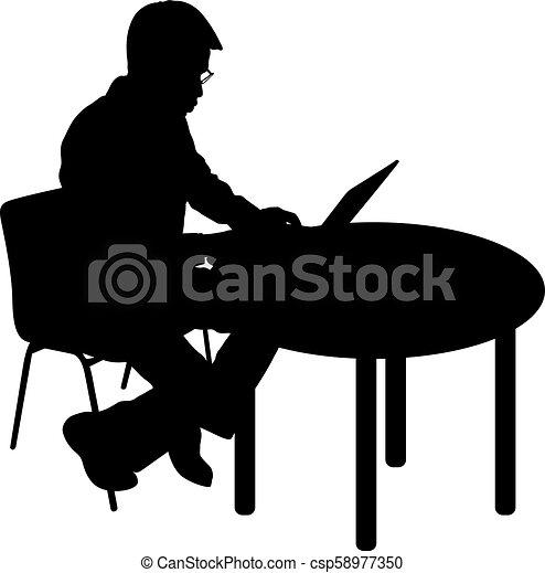 Hombre silueta negro sentado detrás de la computadora, en un fondo blanco - csp58977350