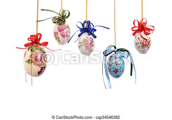 Huevos de Pascua coloridos - csp34546382