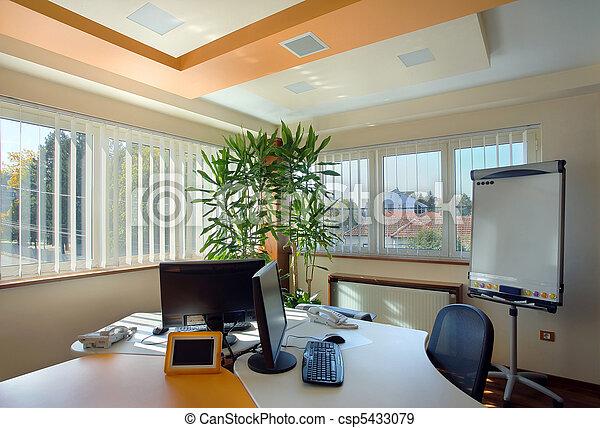 Interior de oficina - csp5433079