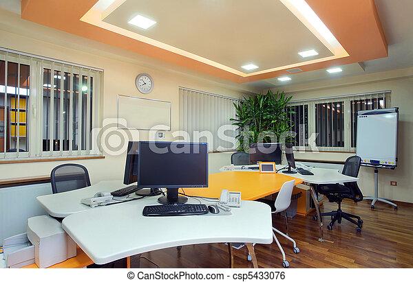 Interior de oficina - csp5433076