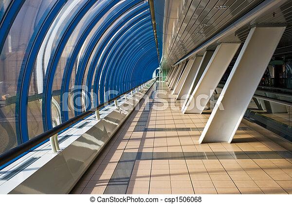 Interior del puente comercial Bagration - csp1506068