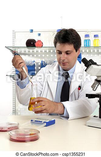 Investigación farmacéutica Laboratorio - csp1355231