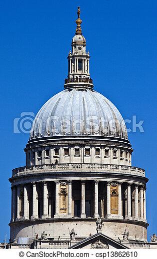 La catedral de San Pablo en Londres - csp13862610
