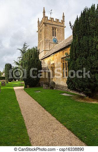 La vieja iglesia del distrito de Inglaterra - csp16338890
