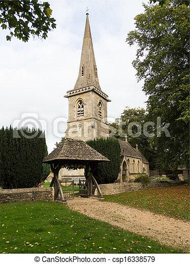 La vieja iglesia del distrito de Inglaterra - csp16338579
