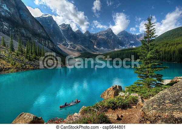 Parque Nacional del lago Moraine - csp5644801