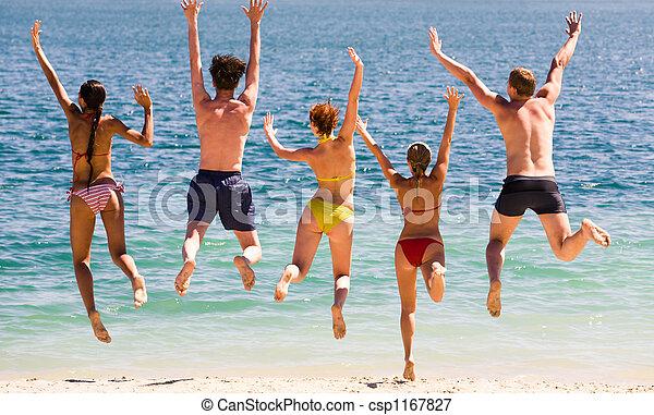 Salta al lago - csp1167827