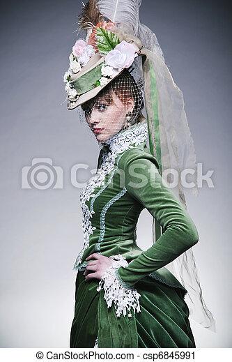 Bonita dama con ropa retro - csp6845991
