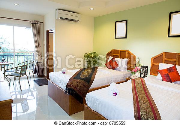 lnterior de la moderna y cómoda habitación de hotel - csp10705553