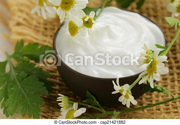 Loción de crema cosmética natural - csp21421882