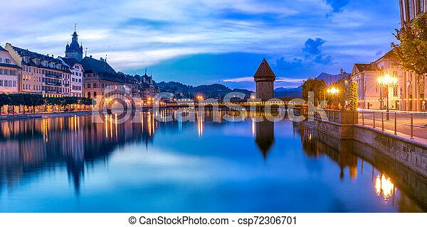 Lucerne al amanecer, Suiza - csp72306701