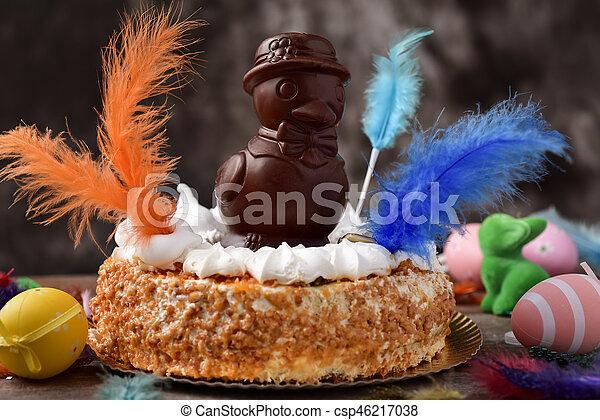 Mona de pascua, pastel comido en España el lunes de Pascua - csp46217038