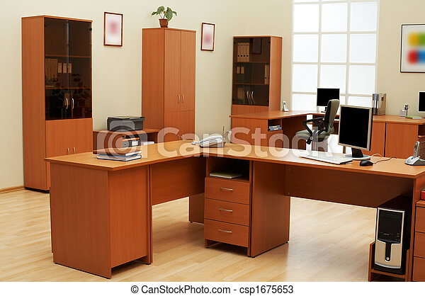 Oficina moderna y ligera - csp1675653
