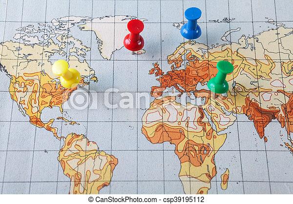 Un golpe en el mapa - csp39195112