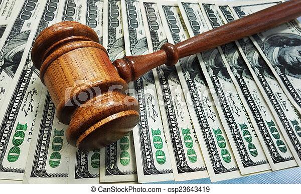El martillo de la ley - csp23643419