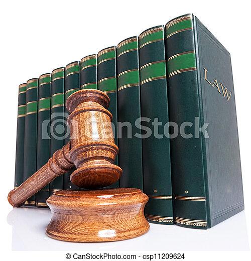 Los jueces daban y los libros de leyes - csp11209624