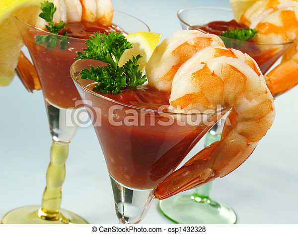 Martinis de camarones - csp1432328