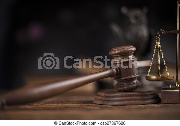 Tema legal, mazo de juez, mazo de madera - csp27367626